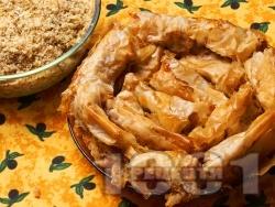 Домашен постен тиквеник за Бъдни Вечер (баница с тиква) с готови точени кори, орехи и канела за Бъдни вечер - снимка на рецептата